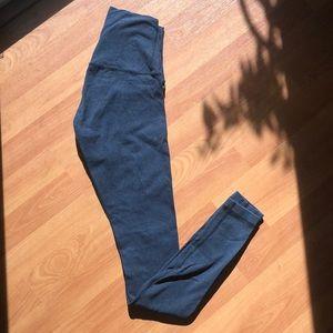 Lululemon size 4 wunder under hi rise legging